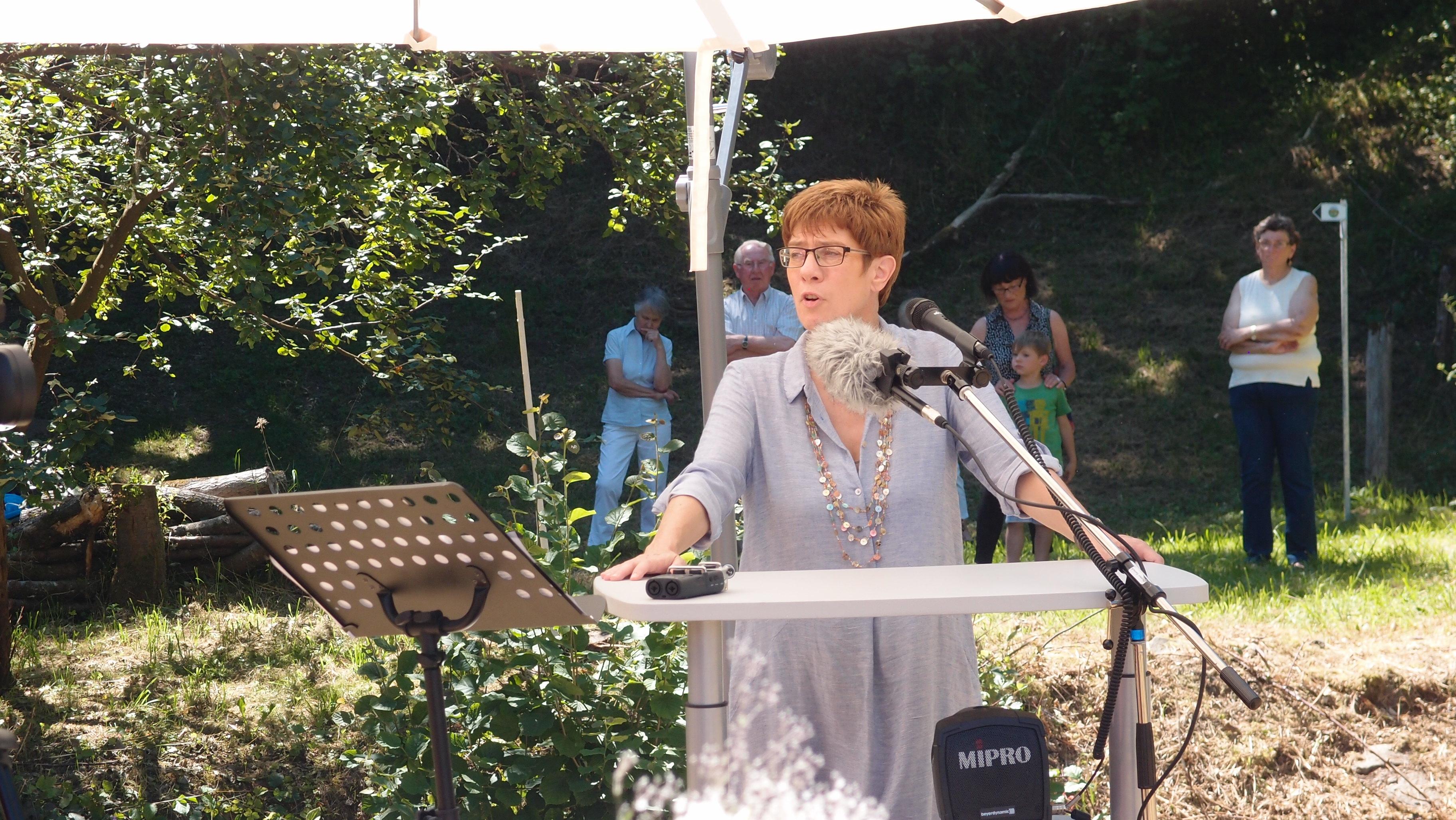 Annegret Kramp-Kachenbauer